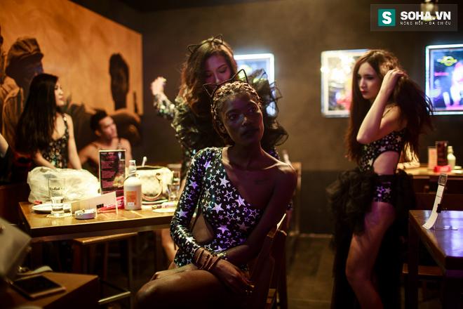 Cuộc sống mưu sinh của người mẫu Châu Phi tại Việt Nam - Ảnh 25.