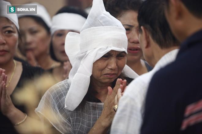 Trong tang lễ Hán Văn Tình, có một phụ nữ rất đặc biệt! - Ảnh 5.