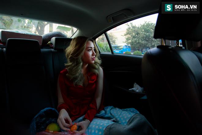 Thay đồ trên ô tô và cuộc sống sau 12h đêm của hot girl nóng bỏng Linh Miu - Ảnh 2.