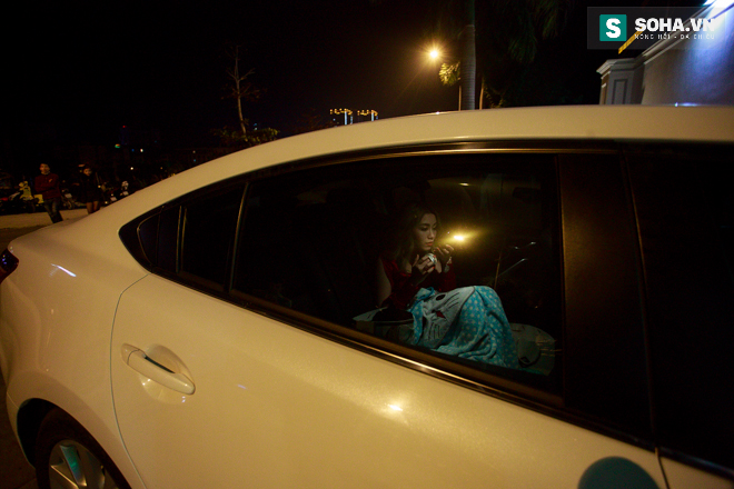 Thay đồ trên ô tô và cuộc sống sau 12h đêm của hot girl nóng bỏng Linh Miu - Ảnh 5.