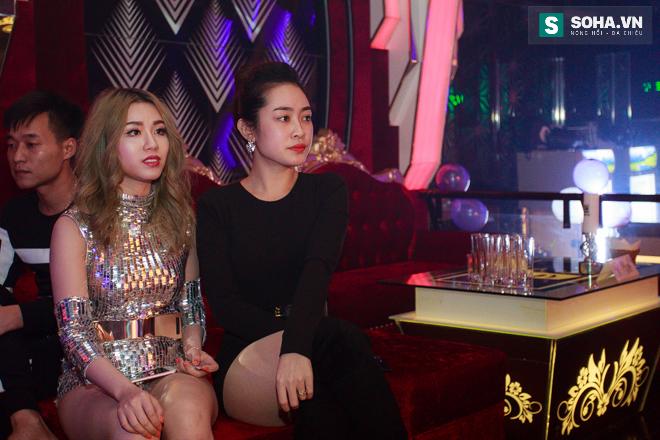 Thay đồ trên ô tô và cuộc sống sau 12h đêm của hot girl nóng bỏng Linh Miu - Ảnh 8.