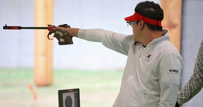 Chuyên gia lý giải Hoàng Xuân Vinh bắn trượt phát đạn quyết định - Ảnh 2.