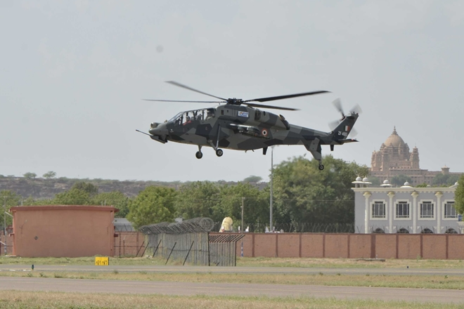 Bỏ qua Mi-28, Việt Nam sẽ mua trực thăng vũ trang LCH của Ấn Độ? - Ảnh 2.
