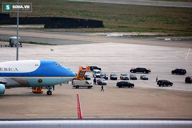 Người dân TP HCM hào hứng chào đón đoàn xe TT Mỹ Obama - Ảnh 3.