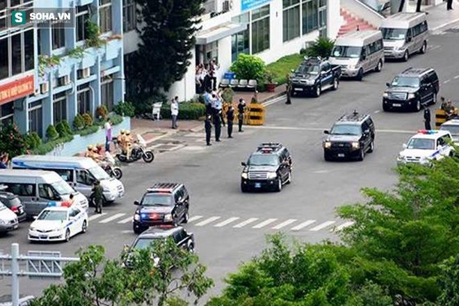 Người dân TP HCM hào hứng chào đón đoàn xe TT Mỹ Obama - Ảnh 7.