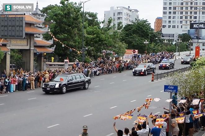 Người dân TP HCM hào hứng chào đón đoàn xe TT Mỹ Obama - Ảnh 11.
