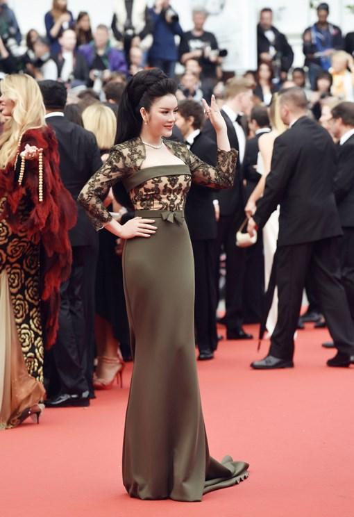 Cánh phóng viên ảnh Cannes 2016 xứng đáng bị kỷ luật! - Ảnh 1.