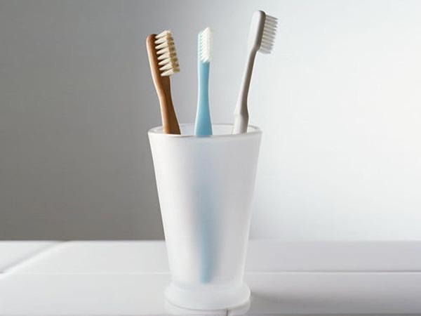 Đặt những món này trong nhà vệ sinh, đừng hỏi sao bạn cứ bệnh mãi - Ảnh 1.