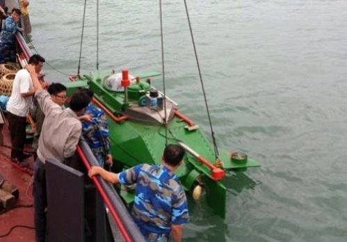 Hình ảnh độc khi tàu ngầm mini Hoàng Sa ra đại dương - Ảnh 6.