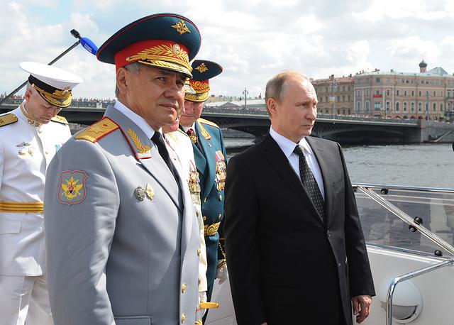 ẢNH+VIDEO: Hoành tráng lễ kỷ niệm Ngày Hải quân Nga - Ảnh 2.