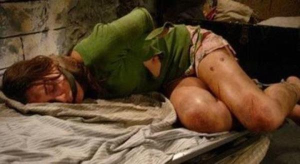 Chuyện kinh hoàng của các nữ tù nhân: Bị bắn vào tử cung đến chết, ép phá trinh trước khi tử hình - Ảnh 1.
