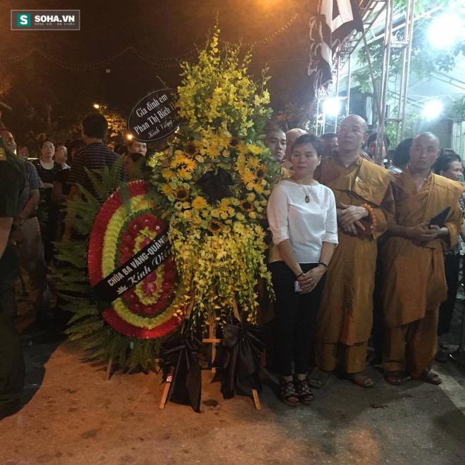 Hình ảnh 2 đám tang trên cùng một con phố ở Yên Bái - Ảnh 4.
