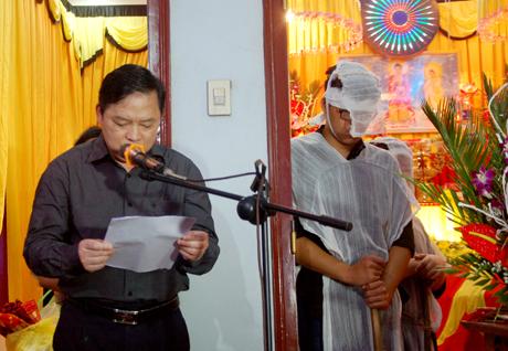 Tiễn đưa Bí thư, Chủ tịch HĐND tỉnh Yên Bái trong cơn mưa tầm tã - Ảnh 2.