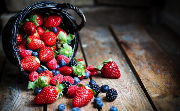Không cần tìm kiếm đâu xa, 10 siêu thực phẩm quen thuộc này sẽ giúp bạn tăng cường miễn dịch cực nhanh - Ảnh 1.