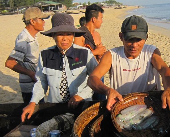 Còn gần 4.000 tấn hải sản tồn kho lạnh sau sự cố Formosa  - Ảnh 1.