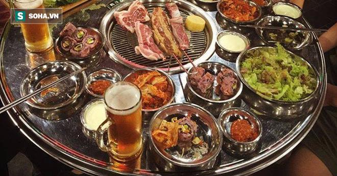 Uống bia cùng thịt nướng: Sướng miệng, khổ dạ dày - Ảnh 2.
