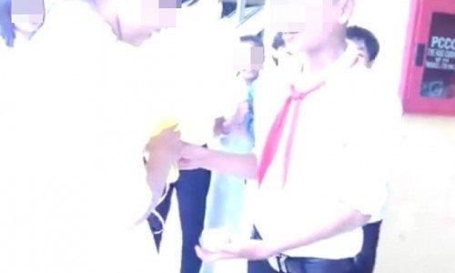 Học sinh Việt tỏ tình gây sốc khiến phụ huynh giật mình - Ảnh 1.
