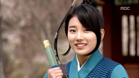 YoonA - Suzy - IU: Ai là nữ thần tượng thành công nhất với nghiệp diễn? - Ảnh 2.