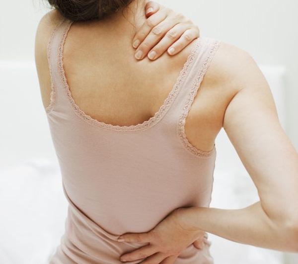 Nếu những dấu hiệu này xuất hiện thường xuyên, rất có thể bạn đã bị loãng xương - Ảnh 2.