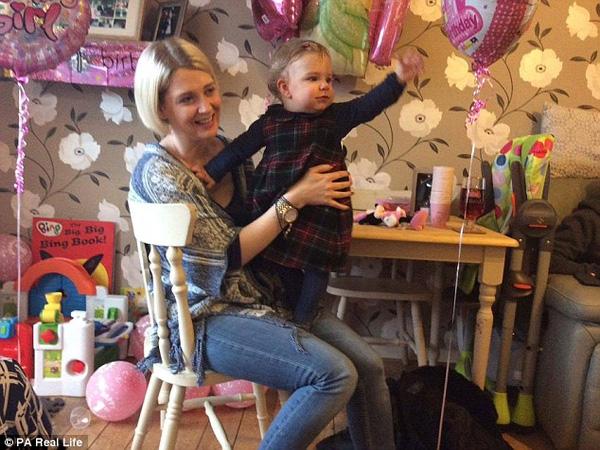Lời kêu gọi khẩn thiết của người mẹ 16 lần sảy thai, cuối cùng có được 1 mụn con thì cũng mất vì bệnh viêm màng não - Ảnh 1.