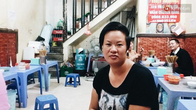 Góc khuất ít người biết về cuộc sống nhiều nỗi buồn của bà chủ quán bún chửi Hà Nội - Ảnh 1.