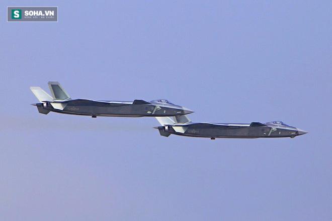 Báo Mỹ: J-20 Trung Quốc là đối thủ thực sự - Ảnh 1.