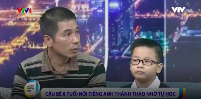 Cậu bé thần đồng 3 tuổi tự học tiếng Anh, 7 tuổi nói trôi chảy và 8 tuổi có trình độ ngang HS cấp 3! - Ảnh 3.