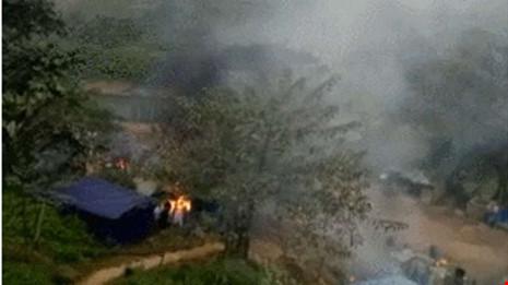 Giao tranh ở bắc Myanmar, bom rơi sang Trung Quốc - Ảnh 1.