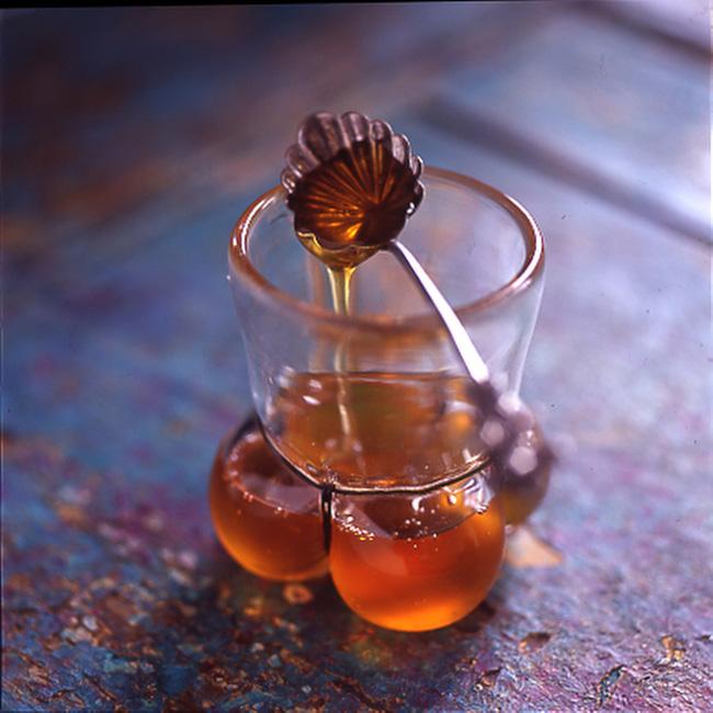 Uống mật ong với nước ấm: Không chỉ giảm cân mà còn mang lại vô số lợi ích cho sức khỏe - Ảnh 2.