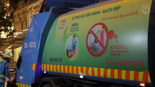 Xe rác cực thú vị ở Hà Nội: Đi đâu cũng bật nhạc Có sạch đẹp mãi được không tùy thuộc vào bạn - Ảnh 2.