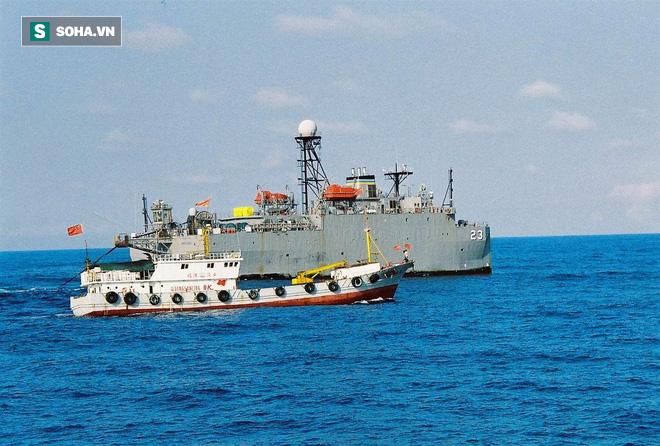 Chiêu kiếm tiền không ngờ của ngư dân TQ ở biển Đông: Săn tàu quân sự Mỹ để cắt sonar - Ảnh 1.