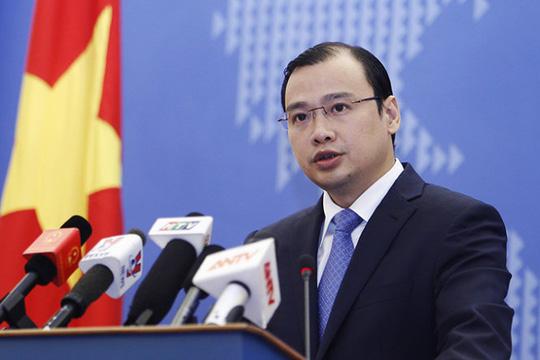 Yêu cầu Trung Quốc chấm dứt ngay bay dân sự tới đảo Phú Lâm - Ảnh 1.