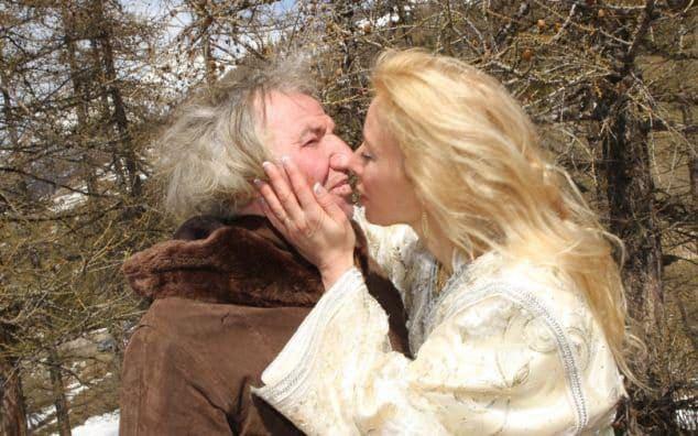 Kết cục bất ngờ của cuộc hôn nhân giữa cụ ông 67 tuổi với cô vợ trẻ bị cả làng phản đối - Ảnh 2.