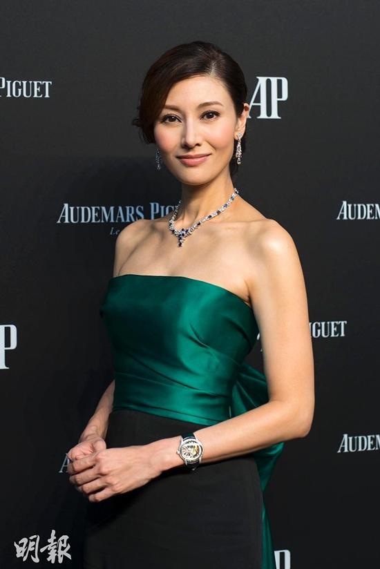 Hoa hậu Hong Kong đẹp nhất lịch sử và hai lần mang tiếng giật chồng - Ảnh 10.