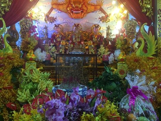 Sáng nay, nhà thờ tổ 100 tỉ của Hoài Linh mở cửa đón khách - Ảnh 10.