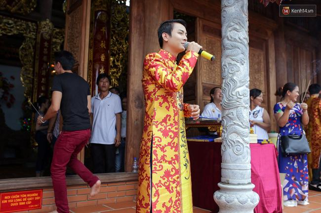 Cập nhật: Các nghệ sĩ đến thăm đền thờ Tổ trị giá 100 tỷ của Hoài Linh - Ảnh 10.
