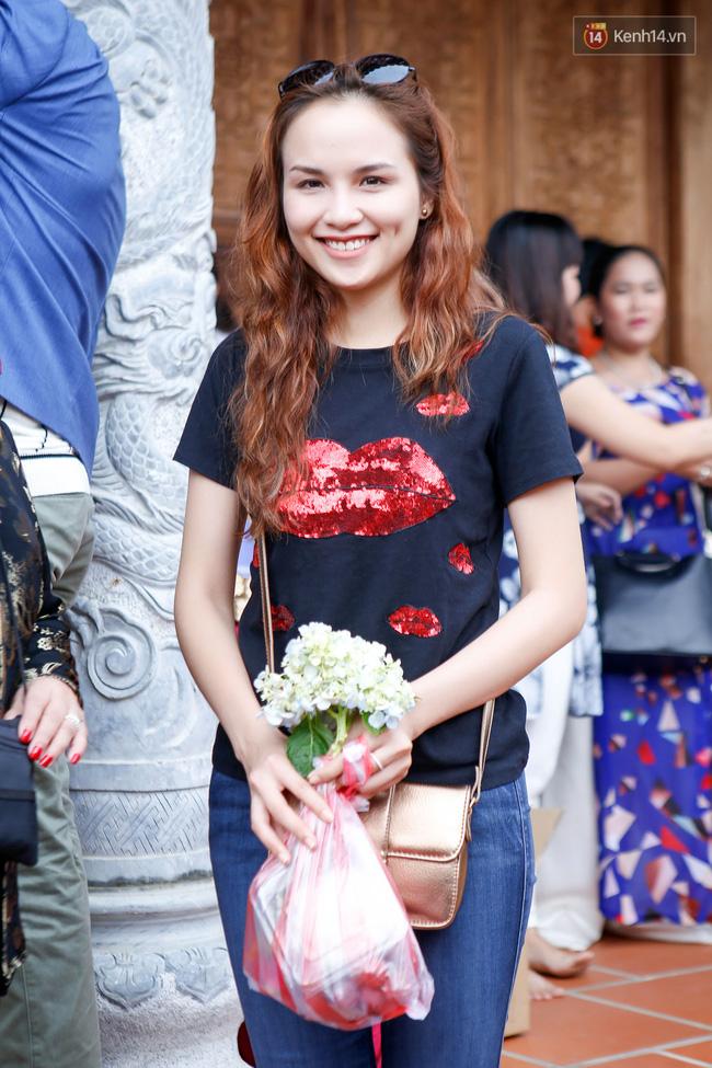 Cập nhật: Các nghệ sĩ đến thăm đền thờ Tổ trị giá 100 tỷ của Hoài Linh - Ảnh 13.
