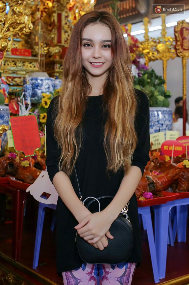 Cập nhật: Các nghệ sĩ đến thăm đền thờ Tổ trị giá 100 tỷ của Hoài Linh - Ảnh 14.