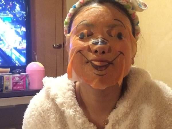 Phát hoảng với những kiểu đắp mặt nạ dọa ma của chị em - Ảnh 15.
