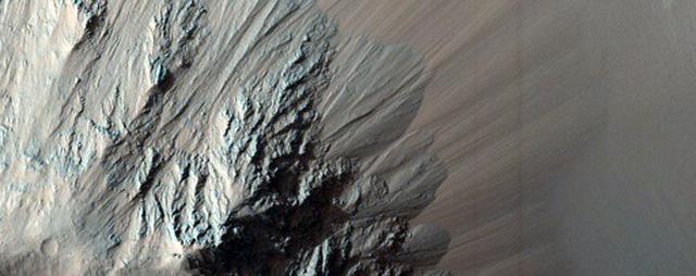 NASA công bố 2.540 hình ảnh tuyệt đẹp về sao Hỏa được ghi lại trong hơn 10 năm - Ảnh 19.