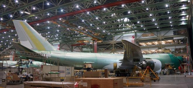 Cận cảnh nhà máy của Boeing - nơi lắp ráp nên chiếc 747 huyền thoại - Ảnh 19.