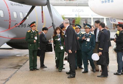 Tín hiệu Việt Nam mua máy bay cảnh báo sớm C-295 AEW&C  - Ảnh 2.