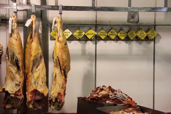 Quy trình giết mổ bò đúng tiêu chuẩn ở Australia - Ảnh 2.
