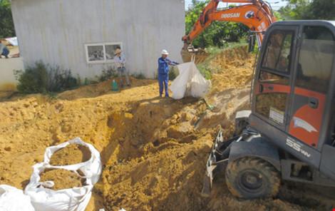 Chưa xử lý được 1.000 tấn chất thải của Formosa Hà Tĩnh - Ảnh 1.