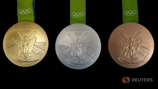 Một tấm huy chương vàng Olympic đã được sản xuất như thế nào? - Ảnh 2.