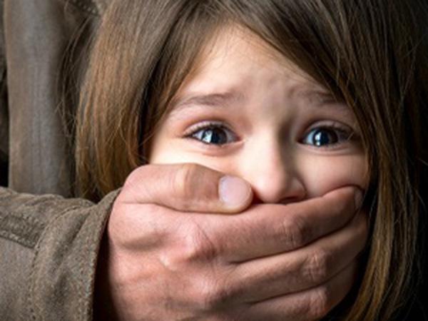 Để con không bị bắt cóc bố mẹ nhất định phải dạy trẻ những kĩ năng sau - Ảnh 2.
