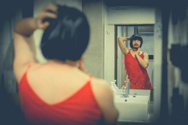 Gặp nhiếp ảnh gia siêu hài hước của bộ ảnh đang hot nhất mạng xã hội - Ảnh 1.
