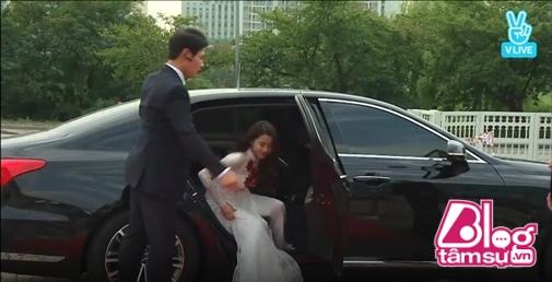 Choáng trước cách chào đón Nhã Phương và Ngọc Trinh của phóng viên Hàn Quốc - Ảnh 2.
