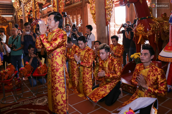 Cập nhật: Các nghệ sĩ đến thăm đền thờ Tổ trị giá 100 tỷ của Hoài Linh - Ảnh 2.