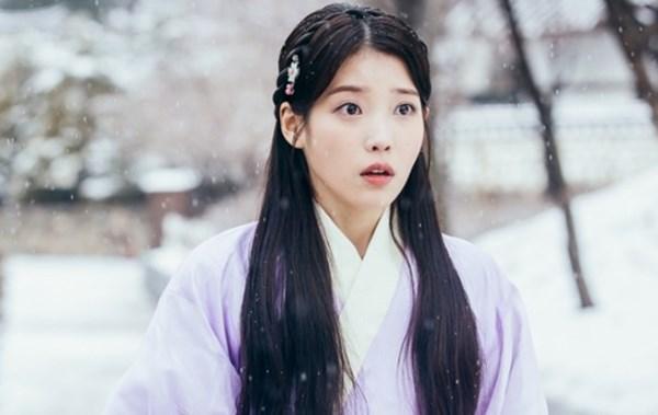IU, Suzy, Han Hyo Joo, Hyeri: 4 sao hàn nữ bị chê tả tơi khi đóng phim - Ảnh 2.